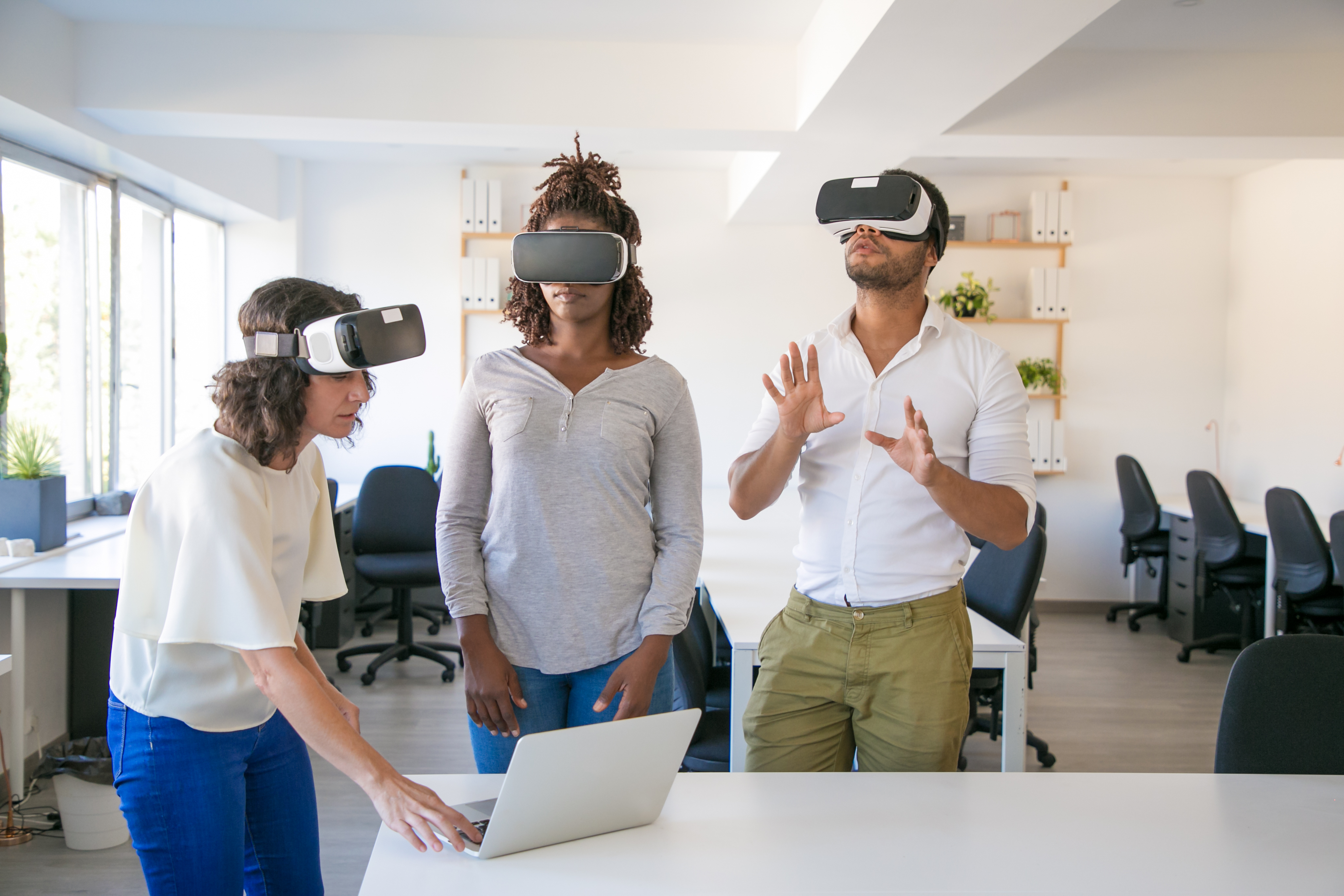 Team collaboration in virtual reality