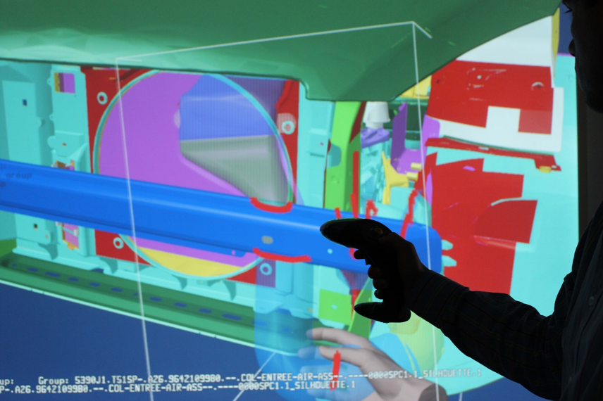 Collision detection using VR in manufacturing